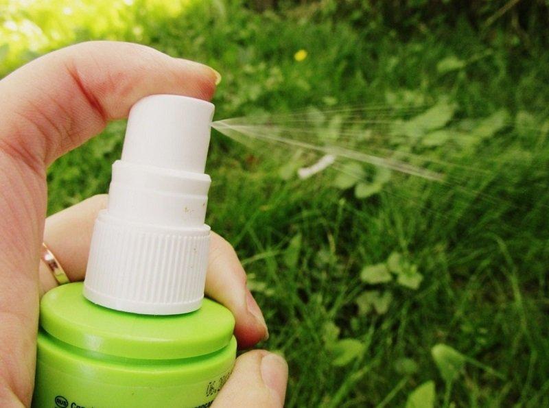 Спирт, вода и один секретный ингредиент… клещи разбегаются в разные стороны!